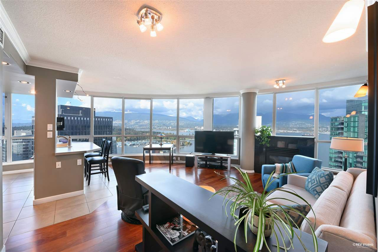 "Main Photo: 3306 1111 W PENDER Street in Vancouver: Coal Harbour Condo for sale in ""THE VANTAGE"" (Vancouver West)  : MLS®# R2510687"