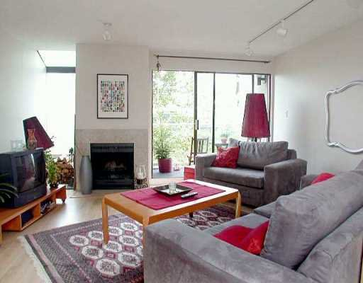 """Main Photo: 1070 W 7TH Ave in Vancouver: Fairview VW Condo for sale in """"FALSE CREEK TERRACE"""" (Vancouver West)  : MLS®# V578300"""