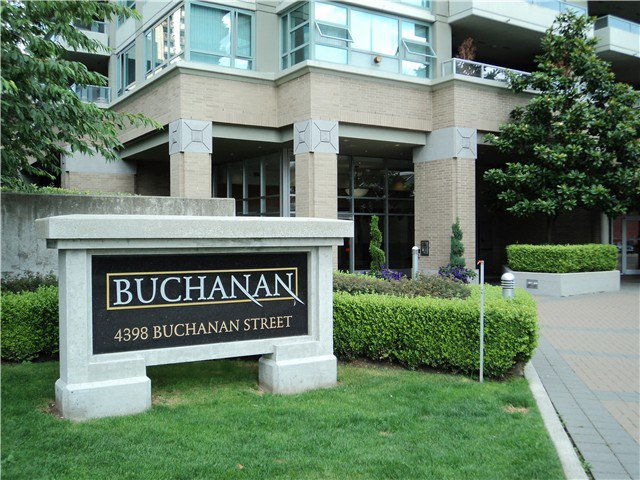 "Main Photo: 905 4398 BUCHANAN Street in Burnaby: Brentwood Park Condo for sale in ""BUCHANAN TOWERS"" (Burnaby North)  : MLS®# V984661"