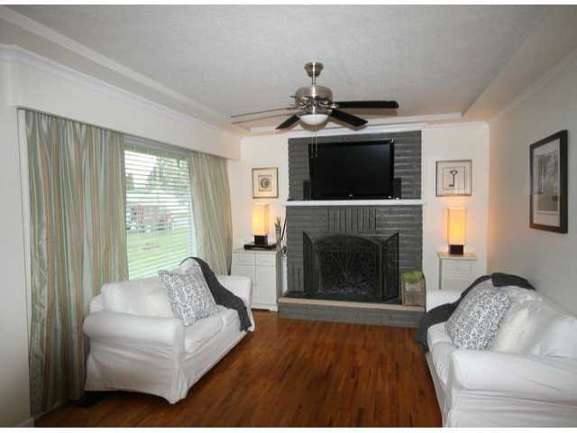 Photo 2: Photos: 17400 58A AV in Surrey: Cloverdale BC House for sale (Cloverdale)  : MLS®# F1304444
