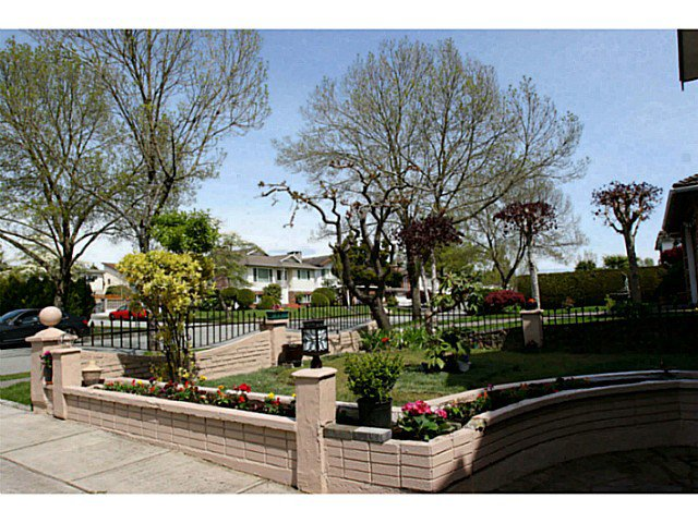 Photo 2: Photos: 3120 E 62ND AV in Vancouver: Champlain Heights House for sale (Vancouver East)  : MLS®# V1061836