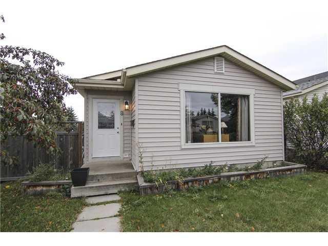 Main Photo: 8 APPLETREE Way SE in Calgary: Applewood House for sale : MLS®# C3638522