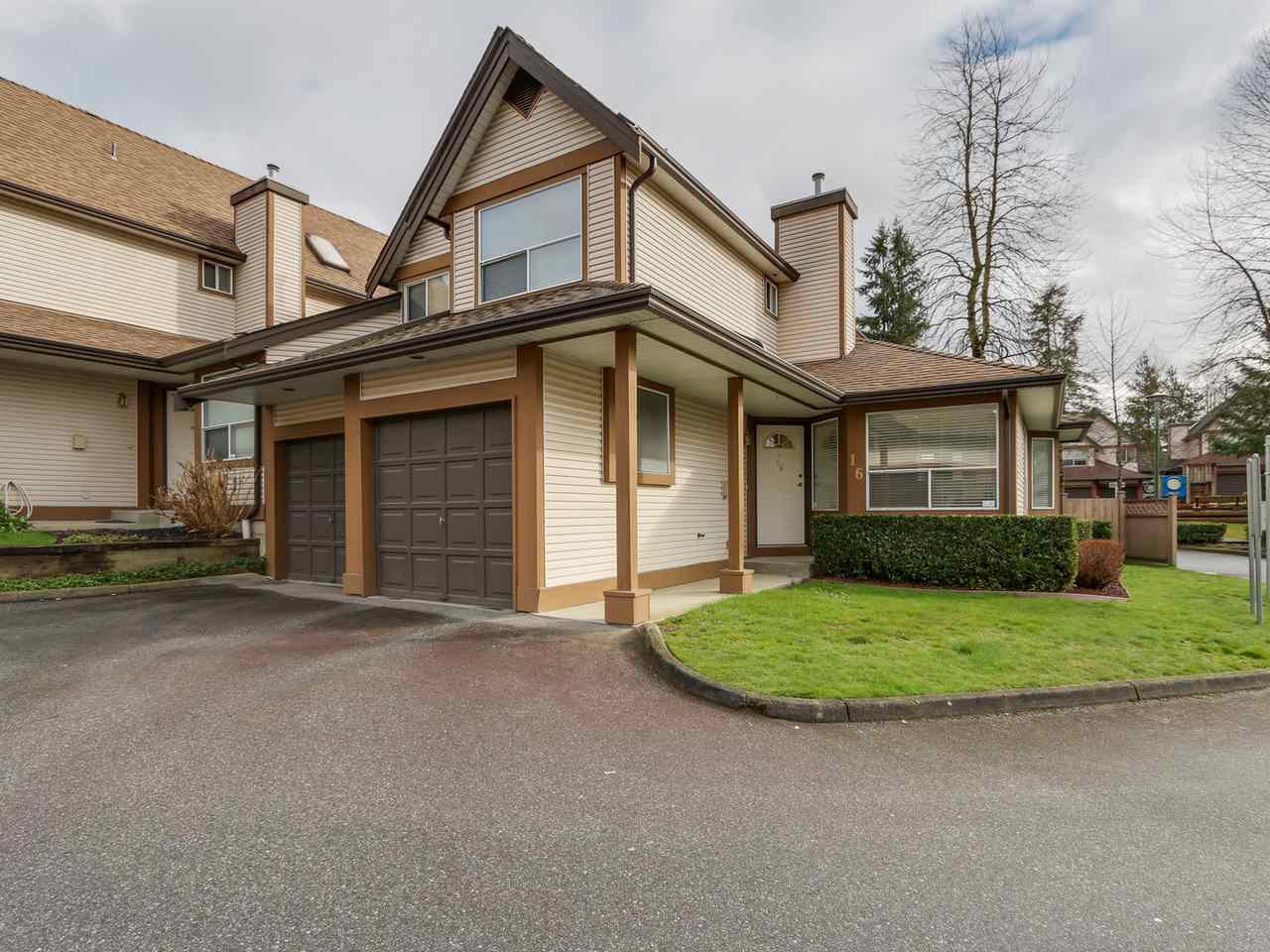 Main Photo: 16 23151 HANEY BYPASS in Maple Ridge: East Central Townhouse for sale : MLS®# R2040781