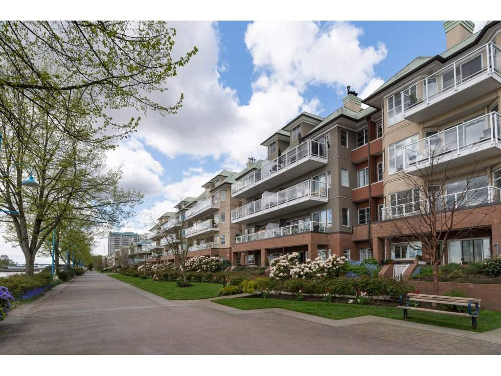 Main Photo: 106 12 K DE K COURT in New Westminster: Quay Condo for sale : MLS®# R2161289