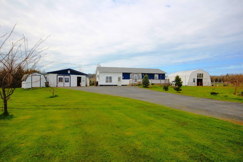 Main Photo: 2415 BROOKLYN Street in Aylesford: 404-Kings County Farm for sale (Annapolis Valley)  : MLS®# 202008026