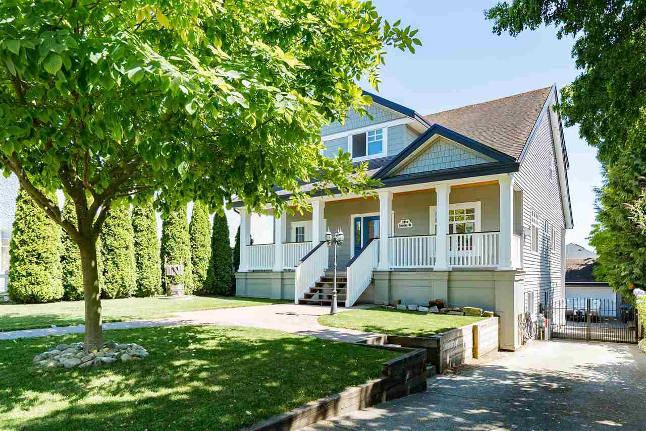 Main Photo: 2010 LONDON Street in New Westminster: Connaught Heights House for sale : MLS®# R2483242