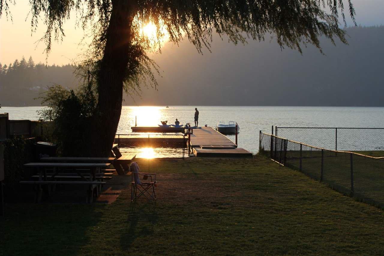 Main Photo: 66540 KERELUK Road in Hope: Hope Kawkawa Lake House for sale : MLS®# R2496893