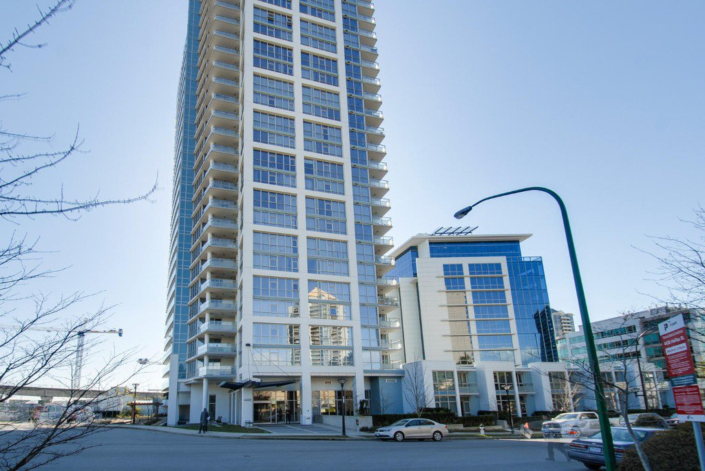 Main Photo: # 2202 4400 BUCHANAN ST in Burnaby: Brentwood Park Condo for sale (Burnaby North)  : MLS®# V1049592