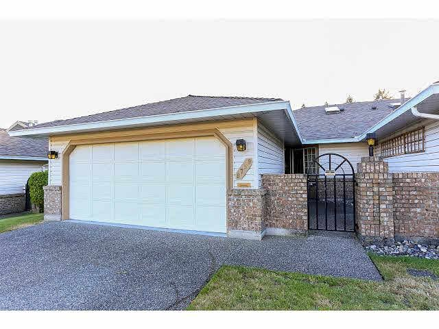 """Main Photo: 9759 148A Street in Surrey: Guildford Townhouse for sale in """"CHELSEA GATE"""" (North Surrey)  : MLS®# F1417026"""