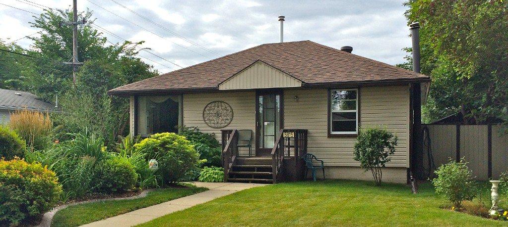 Main Photo: 5815 119 Avenue NW: Edmonton House for sale : MLS®# E3388319