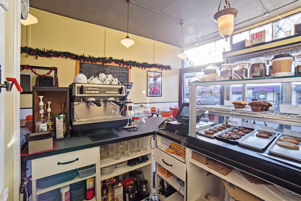 Photo 6: Photos: 33057 1ST AVENUE in Mission: Mission BC Business with Property for sale : MLS®# C8016181
