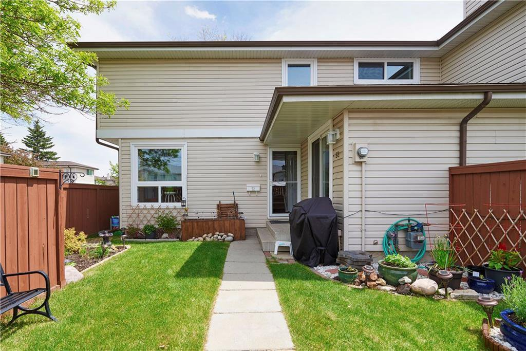 Main Photo: 52 1155 FALCONRIDGE Drive NE in Calgary: Falconridge Row/Townhouse for sale : MLS®# C4300949