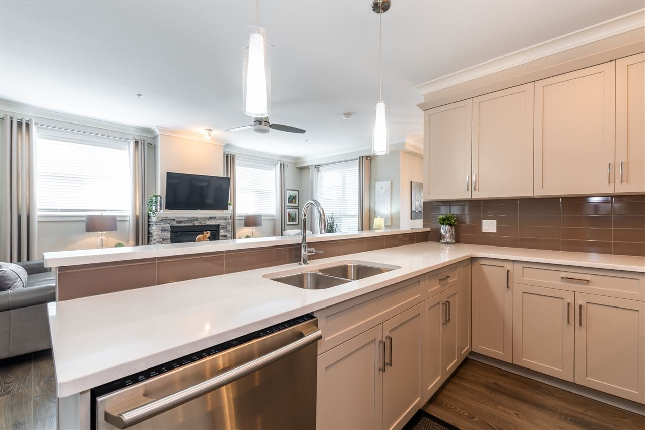 """Photo 5: Photos: 206 45630 SPADINA Avenue in Chilliwack: Chilliwack W Young-Well Condo for sale in """"The Boulevard"""" : MLS®# R2489211"""