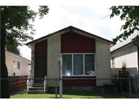 Main Photo: 1824 LEGION AVE W.: Residential for sale (Brooklands)  : MLS®# 1014583