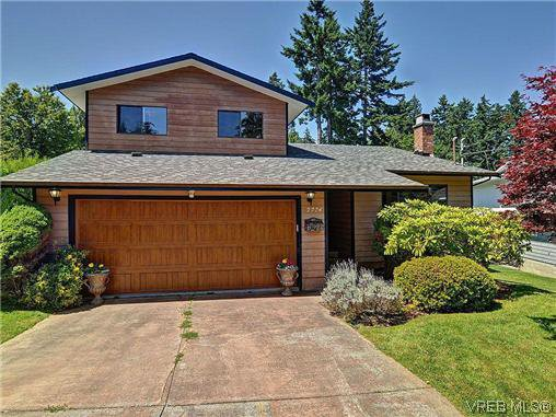 Main Photo: 2774 Kristina Pl in VICTORIA: La Fairway House for sale (Langford)  : MLS®# 612437