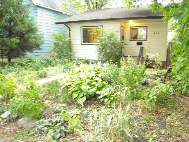 Main Photo: 251 Nassau Street North in WINNIPEG: Fort Rouge / Crescentwood / Riverview Residential for sale (South Winnipeg)  : MLS®# 1319953