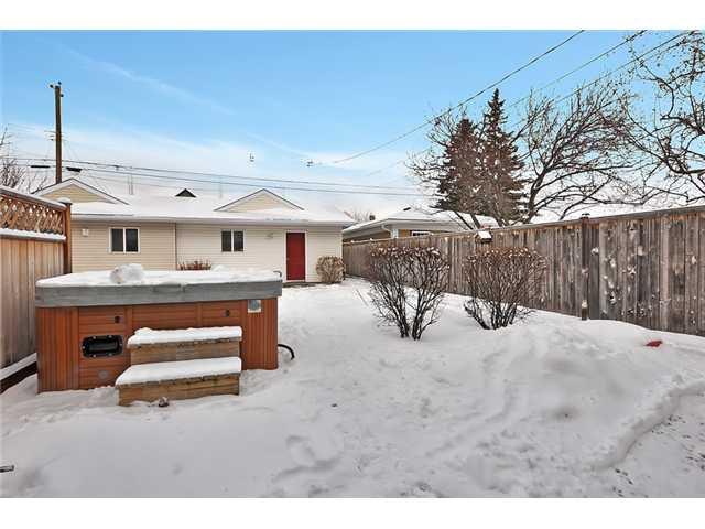 Photo 19: Photos: 1730 1 AV NW in CALGARY: Hillhurst House for sale (Calgary)  : MLS®# C3605924