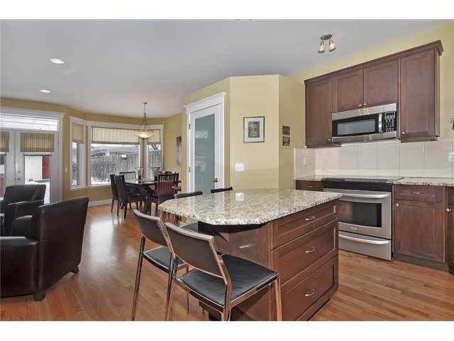 Photo 5: Photos: 1730 1 AV NW in CALGARY: Hillhurst House for sale (Calgary)  : MLS®# C3605924