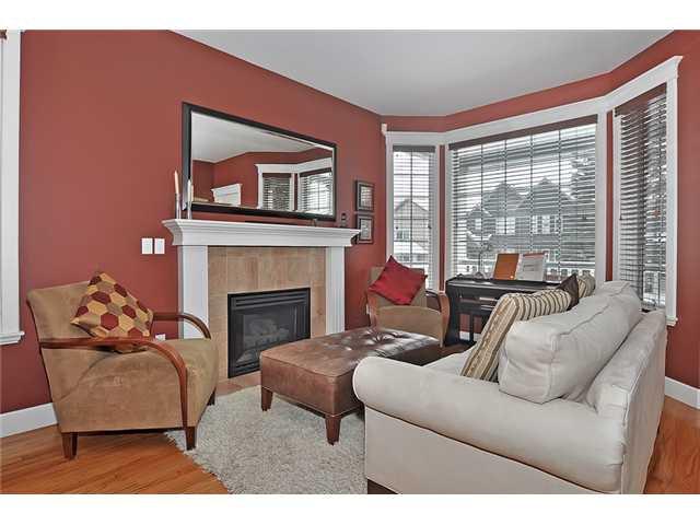 Photo 2: Photos: 1730 1 AV NW in CALGARY: Hillhurst House for sale (Calgary)  : MLS®# C3605924