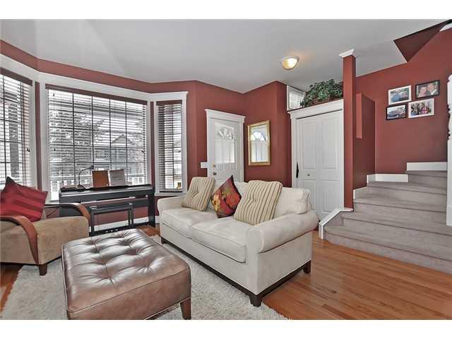Photo 4: Photos: 1730 1 AV NW in CALGARY: Hillhurst House for sale (Calgary)  : MLS®# C3605924