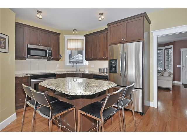 Photo 6: Photos: 1730 1 AV NW in CALGARY: Hillhurst House for sale (Calgary)  : MLS®# C3605924