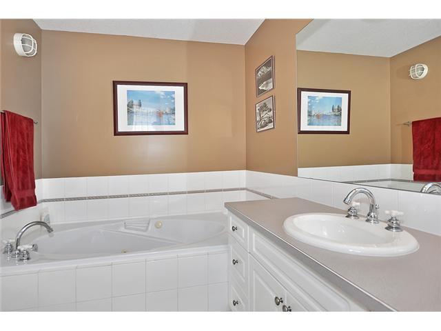 Photo 11: Photos: 1730 1 AV NW in CALGARY: Hillhurst House for sale (Calgary)  : MLS®# C3605924