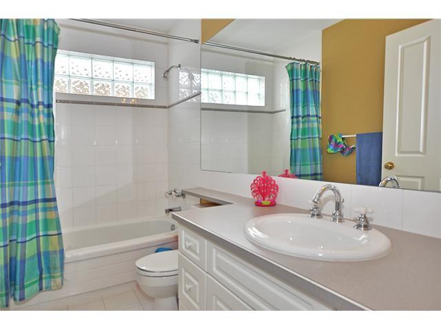 Photo 14: Photos: 1730 1 AV NW in CALGARY: Hillhurst House for sale (Calgary)  : MLS®# C3605924