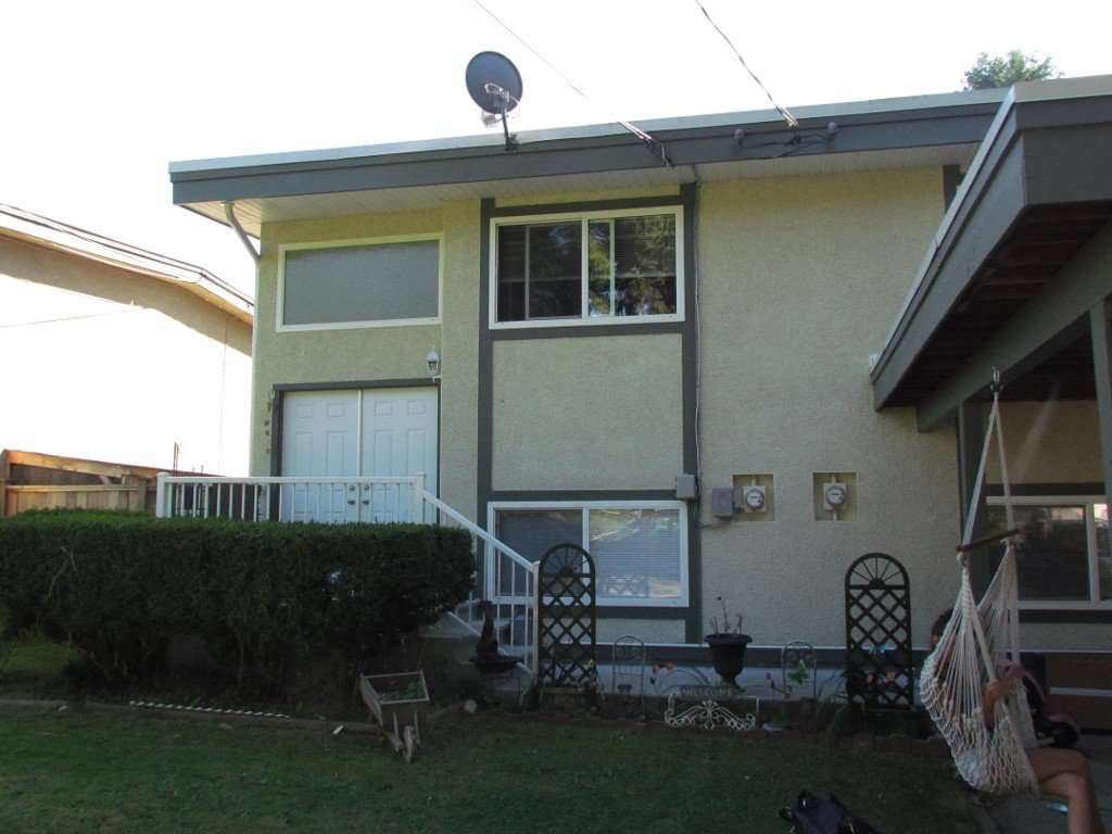 Main Photo: 34546 Vosburgh Ave in Mission: Duplex for rent
