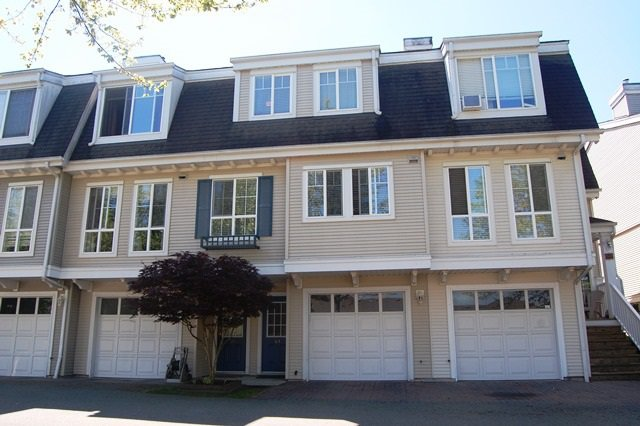 Main Photo: 69 8890 WALNUT GROVE DRIVE in Langley: Walnut Grove Townhouse for sale : MLS®# R2068096