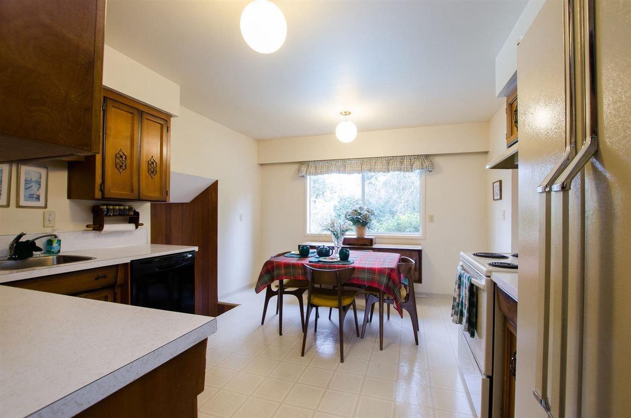 Photo 6: Photos: 4989 6 AVENUE in Delta: Tsawwassen Central House for sale (Tsawwassen)  : MLS®# R2235874