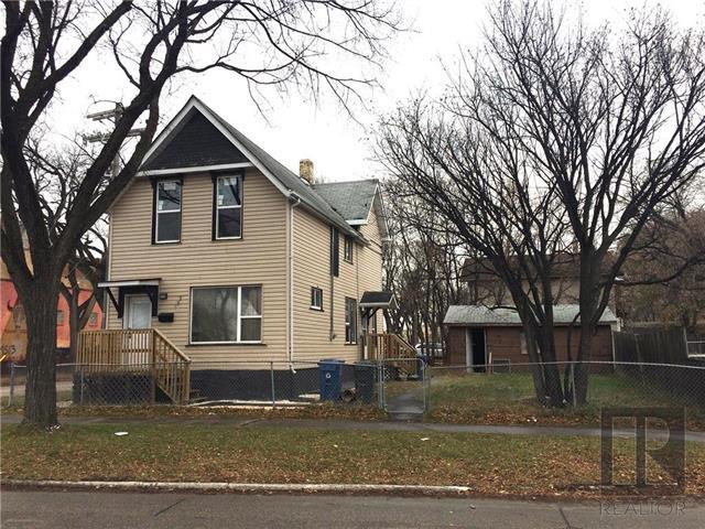 Main Photo: 122 Aikins Streets in Winnipeg: Duplex for sale (4A)  : MLS®# 1910102