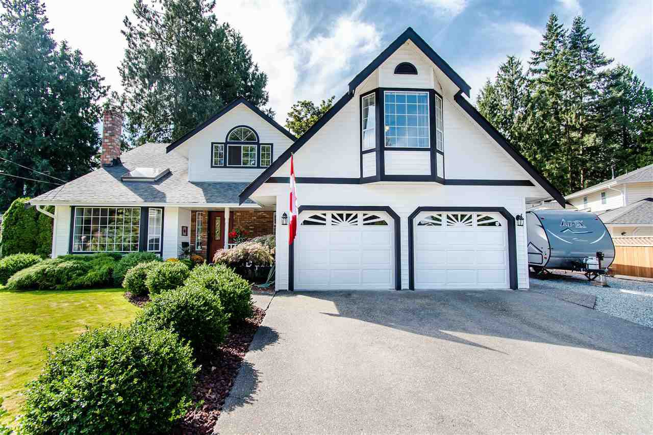 "Main Photo: 20652 38A Avenue in Langley: Brookswood Langley House for sale in ""Brookswood"" : MLS®# R2402242"