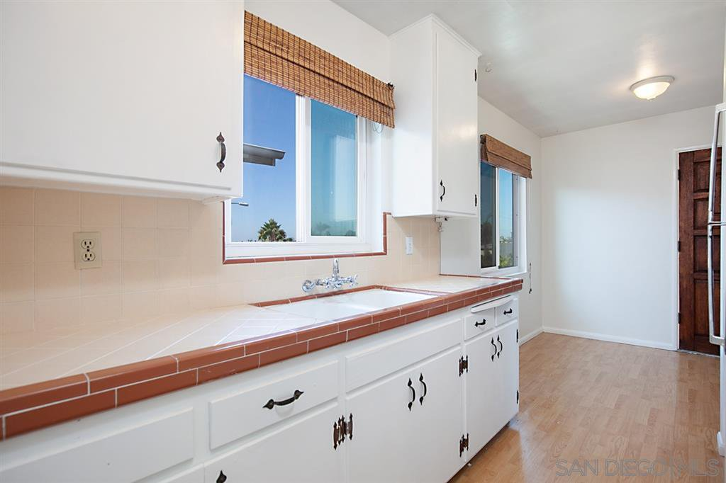 Main Photo: UNIVERSITY HEIGHTS Condo for rent : 1 bedrooms : 2547 Meade Ave in San Diego