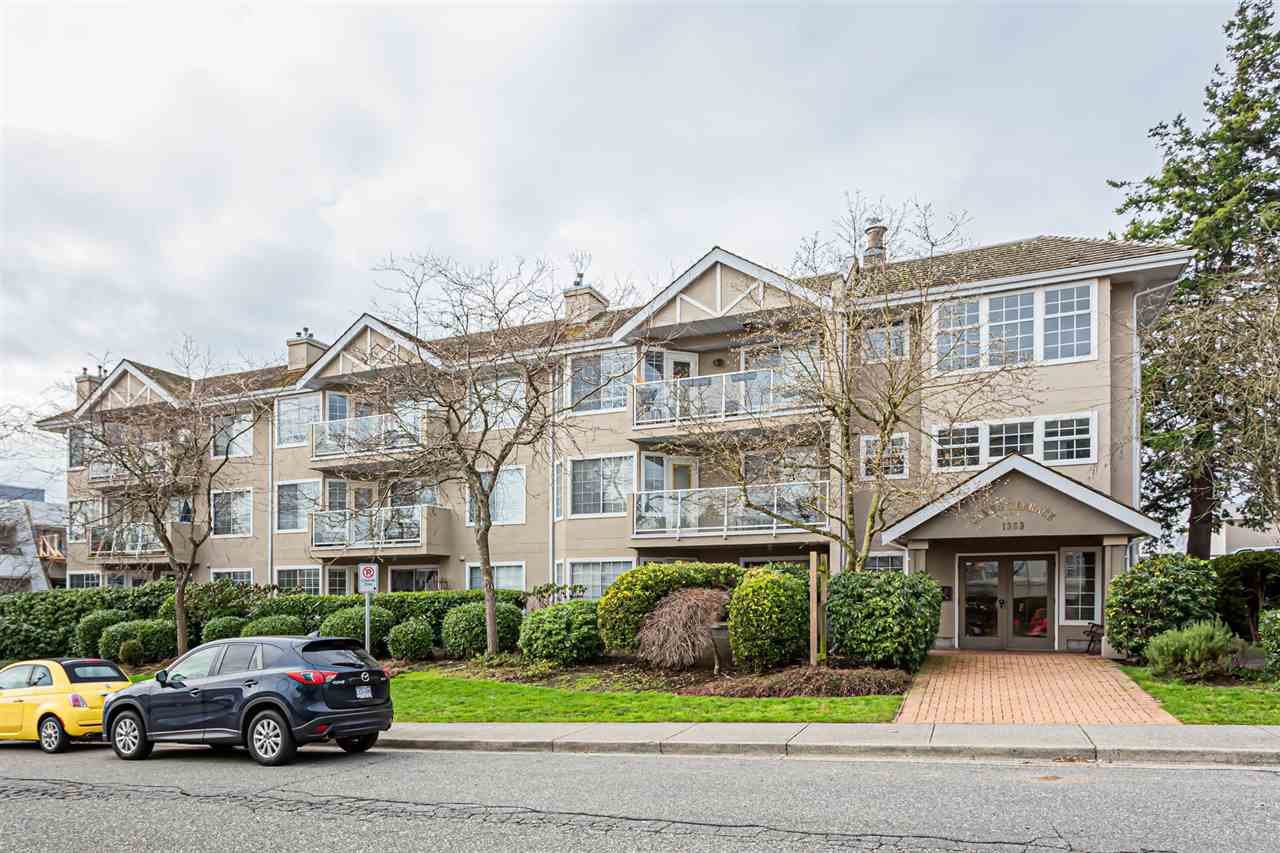 "Main Photo: 105 1369 GEORGE Street: White Rock Condo for sale in ""CAMEO TERRACE"" (South Surrey White Rock)  : MLS®# R2435625"