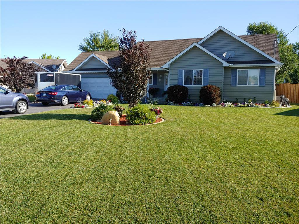 Main Photo: 13 FOX RUN Place in Steinbach: Deerfield Residential for sale (R16)  : MLS®# 202007084