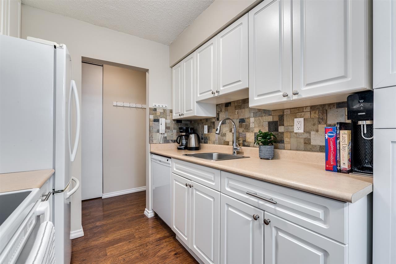 "Photo 11: Photos: 1 2432 WILSON Avenue in Port Coquitlam: Central Pt Coquitlam Condo for sale in ""ORCHARD VALLEY ESTAT3ES"" : MLS®# R2464176"