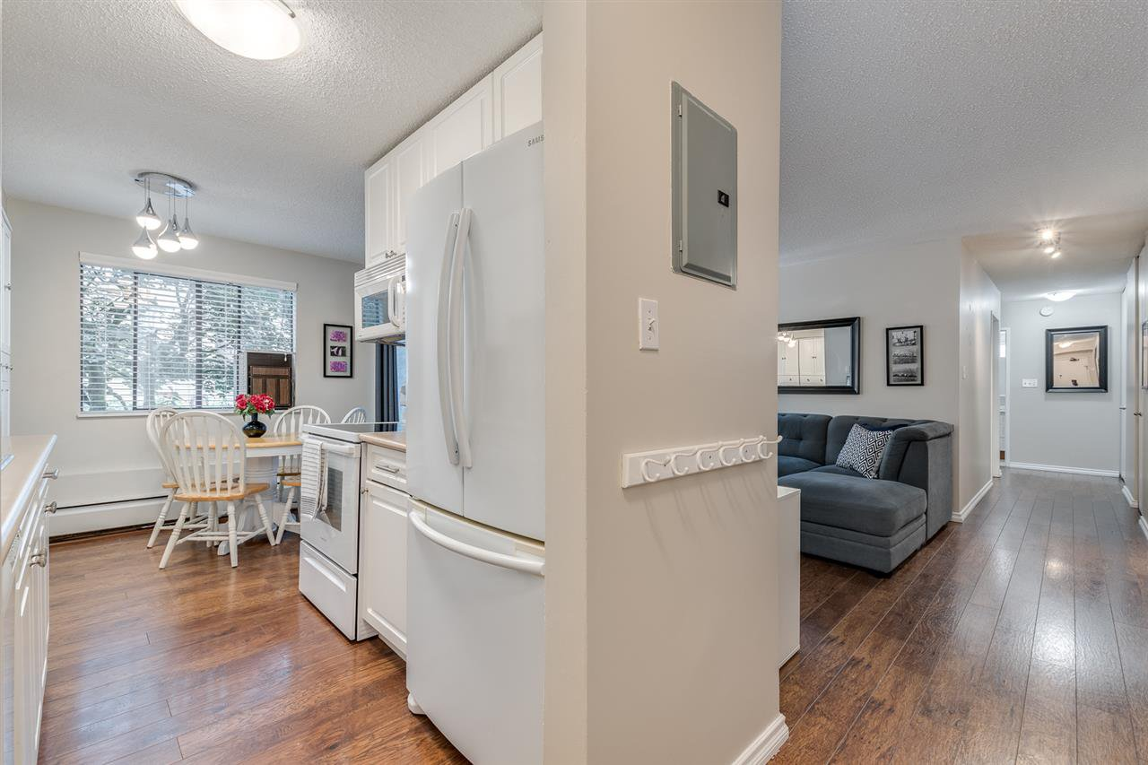 "Photo 2: Photos: 1 2432 WILSON Avenue in Port Coquitlam: Central Pt Coquitlam Condo for sale in ""ORCHARD VALLEY ESTAT3ES"" : MLS®# R2464176"