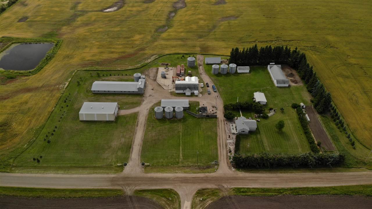 Main Photo: 26121 Twp Rd 562: Rural Sturgeon County House for sale : MLS®# E4210423