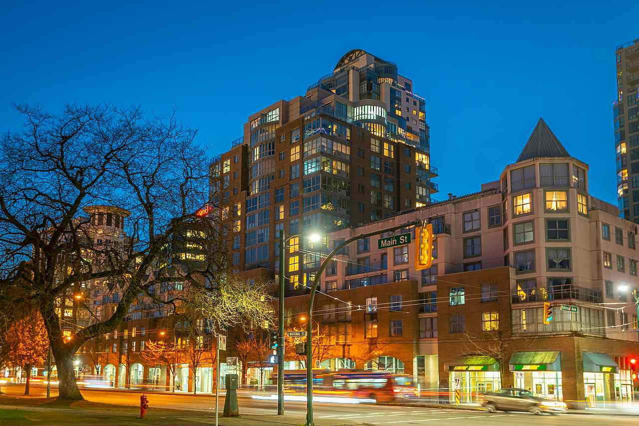 """Main Photo: 404 1159 MAIN Street in Vancouver: Downtown VE Condo for sale in """"City Gate II"""" (Vancouver East)  : MLS®# R2527066"""