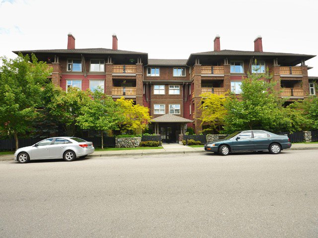 Main Photo: # 307 675 PARK CR in New Westminster: GlenBrooke North Condo for sale : MLS®# V1030149