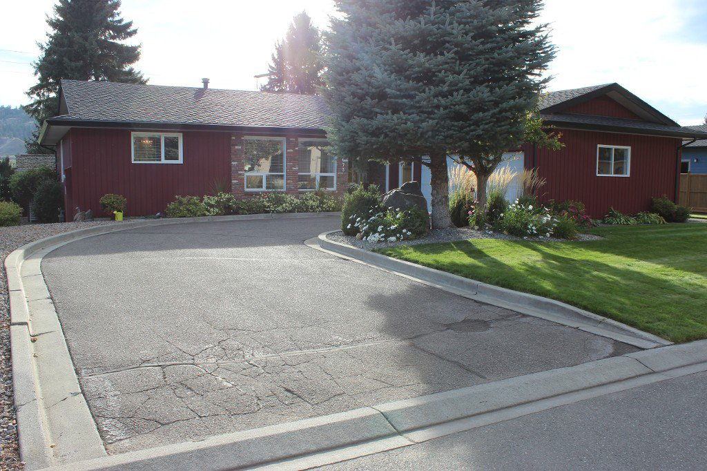 Photo 1: Photos: 3673 Navatanee Drive in Kamloops: South Thompson Valley House for sale : MLS®# New