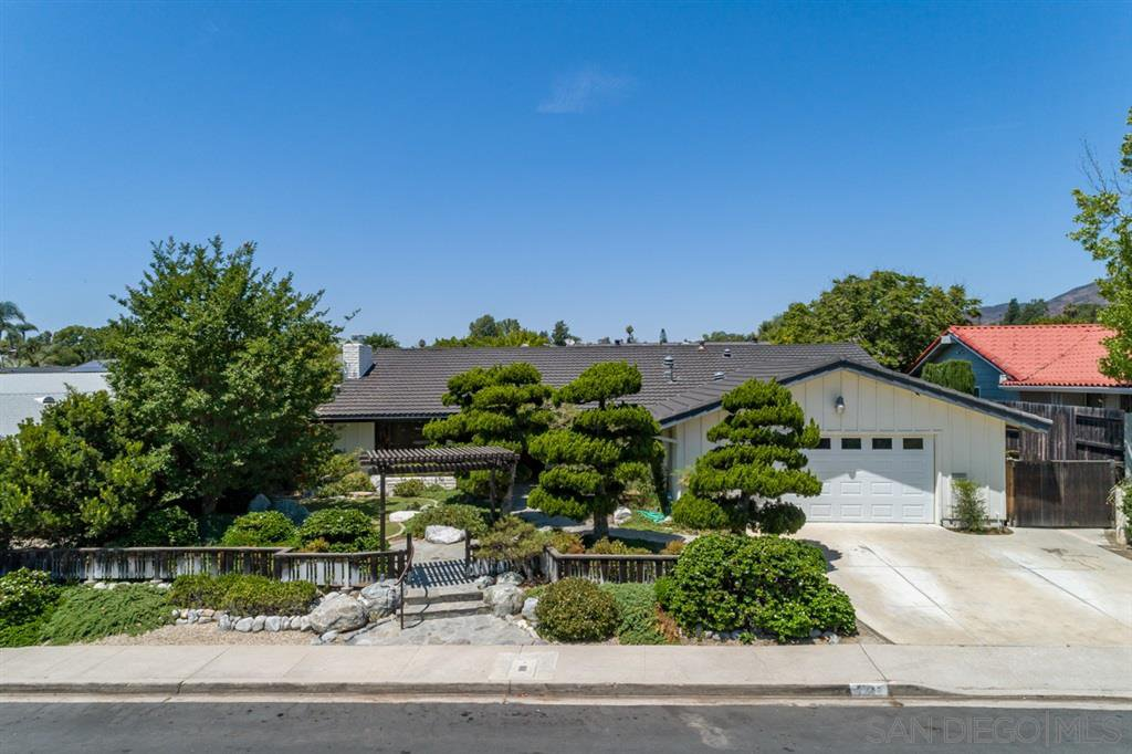 Main Photo: SAN CARLOS House for sale : 4 bedrooms : 7046 Murray Park Drive in San Diego