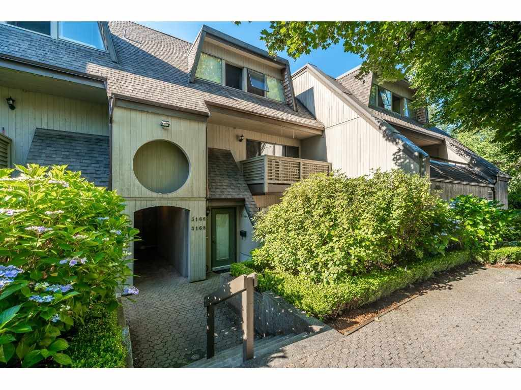 Main Photo: 3168 MOUNTAIN Highway in North Vancouver: Lynn Valley Townhouse for sale : MLS®# R2497913
