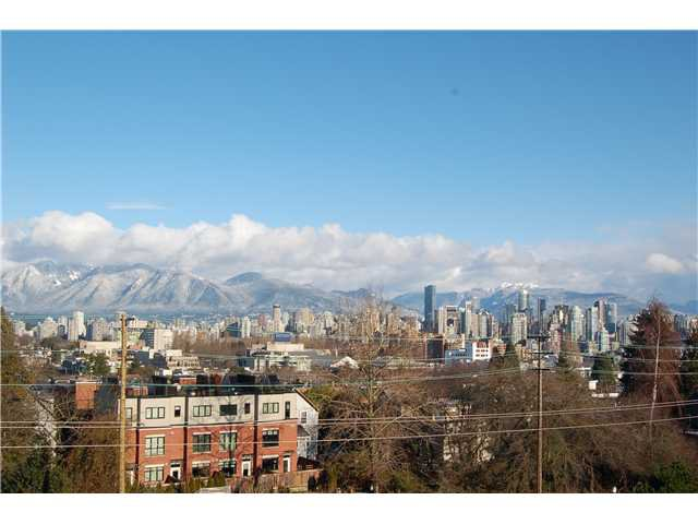 Main Photo: 301 1990 W 6TH Avenue in Vancouver: Kitsilano Condo for sale (Vancouver West)  : MLS®# V943406