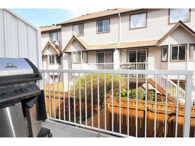 "Photo 9: Photos: 19 2352 PITT RIVER Road in Port Coquitlam: Mary Hill Townhouse for sale in ""SHAUGHNESSY ESTATES"" : MLS®# V945682"