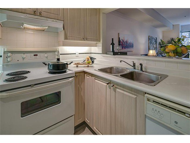 """Photo 3: Photos: 307 630 ROCHE POINT Drive in North Vancouver: Roche Point Condo for sale in """"THE LEGEND"""" : MLS®# V978855"""