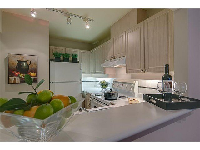 """Photo 5: Photos: 307 630 ROCHE POINT Drive in North Vancouver: Roche Point Condo for sale in """"THE LEGEND"""" : MLS®# V978855"""