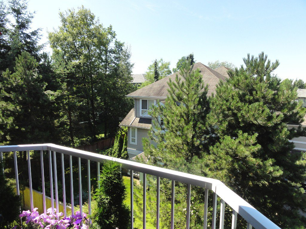 """Photo 14: Photos: 317 20894 57TH Avenue in Langley: Langley City Condo for sale in """"BAYBERRY LANE"""" : MLS®# F1227387"""