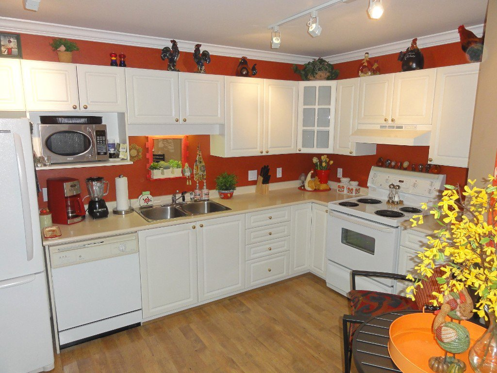 """Photo 6: Photos: 317 20894 57TH Avenue in Langley: Langley City Condo for sale in """"BAYBERRY LANE"""" : MLS®# F1227387"""