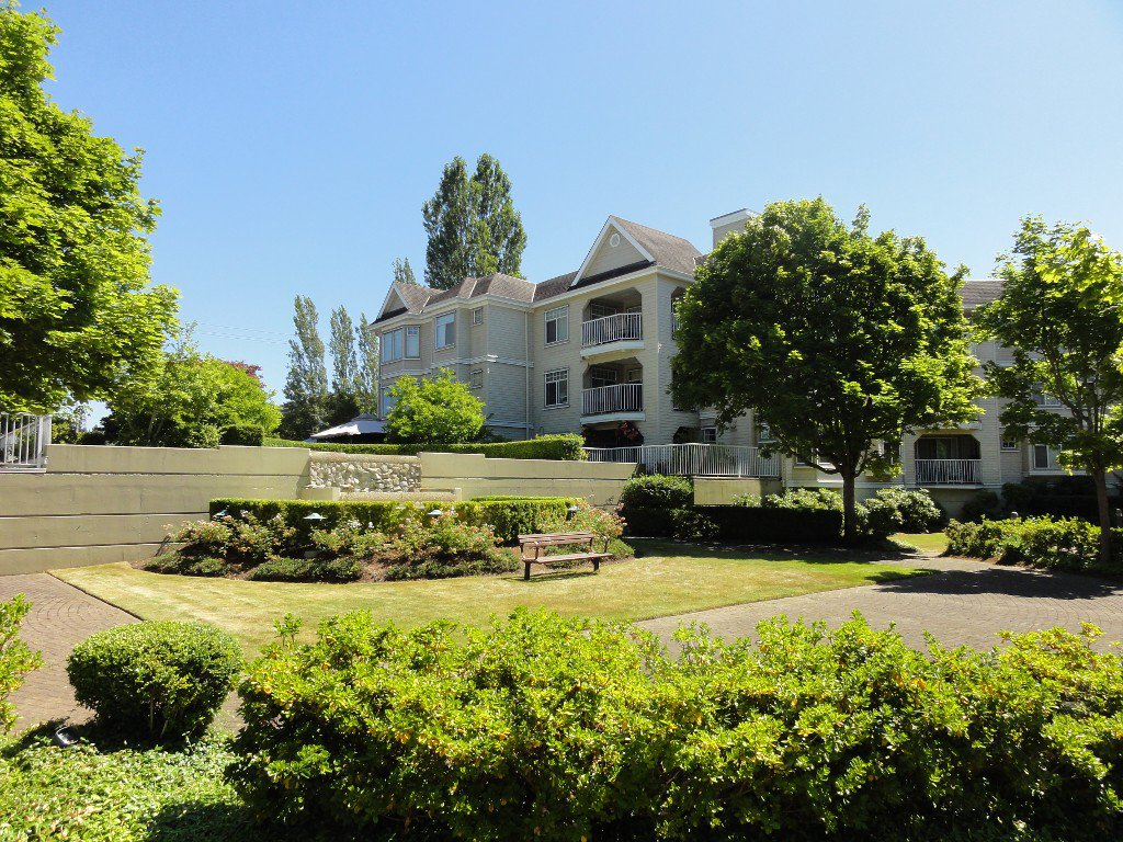 """Photo 17: Photos: 317 20894 57TH Avenue in Langley: Langley City Condo for sale in """"BAYBERRY LANE"""" : MLS®# F1227387"""